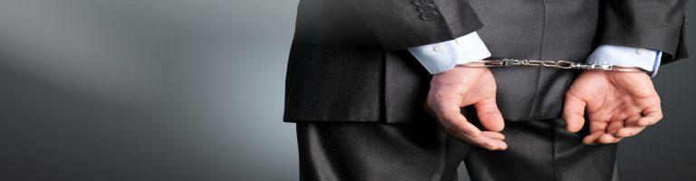 Korruption in Feinabstufung: Vorteilsannahme, Bestechung, Vorteilsgewährung und Bestechlichkeit